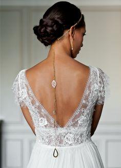 headband-mariage-trois-rangs-perles-cristaux-avec-bijou-de-dos-long-chic