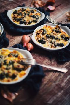 If you love gratinated snails, this recipe is for you! They are so good that I wonder how I managed to eat them differently in the past ! Meat Recipes, Seafood Recipes, Cooking Recipes, Seafood Soup, Fish And Seafood, Meat Appetizers, Appetizer Recipes, Pot Luck, Escargot Recipe