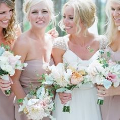 10 ways to be the collest bridesmaid EVER from your future bride friend! Photo Via Laura Murray Photography on Loverly.com