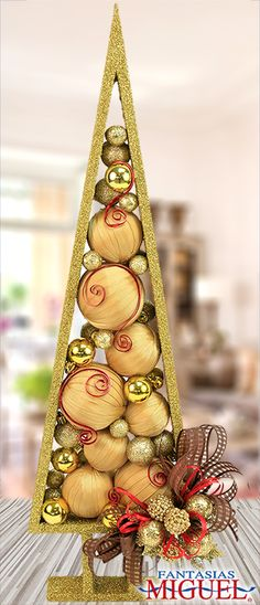 18 Almost Crazy Christmas Tree Ideas Small Christmas Trees, Christmas Makes, Noel Christmas, Modern Christmas, Xmas Tree, Christmas Ornaments, Christmas 2019, Natal Diy, Deco Table Noel