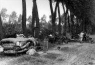 1933 Woningnood, woningraad, woningwet: Boerengezin in Buren is uit hun huis gezet we…