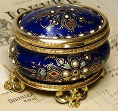 Antique jewelry casket