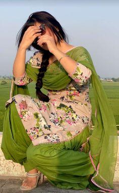 Patiala Suit Designs, Kurta Designs Women, Pakistani Dress Design, Pakistani Dresses, Kaur B, Hollywood Actress Photos, College Wear, Punjabi Girls, Boutique Suits