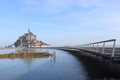 Mont Saint-Michel, una passerella sulle maree