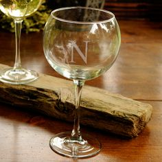 More - Connoisseur Red Wine Glass. Connoisseur Red Wine GlassThis sparkling wine goblet is traditional yet elegant and will make an excellent gift for your bridal party, a favorite retiree, the anniversary couple, or anyone Custom Wine Glasses, Personalized Wine Glasses, Red Wine Glasses, Personalized Gifts, Personalised Wine, Personalized Wedding, Engraved Gifts, Champagne Glasses, Monogram Wedding