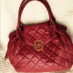 Michael Michael Kors Fulton quilt large tote The bag has been used for about two years. MICHAEL Michael Kors Bags Totes