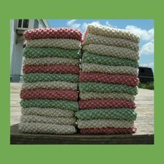 6 #Knit #Dishcloth #Patterns #EcoFriendly #DIY This person made 2 dozen of these with just 1 of the patterns in this 6-pattern collection. So pretty and, so fast!