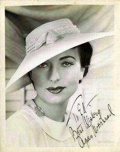 Hollywood Legends: Agnes Moorehead