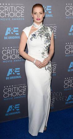 2015   ... Glides Like A Goddess Onto The Critics' Choice Awards Red Carpet Natural beauty!