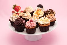 Order cakes & cupcakes online - delivered in London, UK