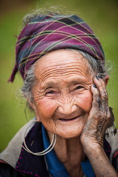 Maa by Seth Rubin on Photo Portrait, Portrait Photography, Beautiful Smile, Beautiful People, Old Faces, Ageless Beauty, Jolie Photo, Aging Gracefully, Interesting Faces