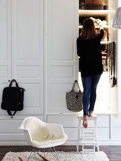 Kanske göra en vägg i sovrummet med sådana garderober?