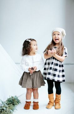 10 Stylish Toddler Holiday Outfit 2018 Ideas, Must Have! 10 stylish toddler holiday outfit 2018 ideas, must have so that the toddler will look cute and awesome also pretty and handsome too. Toddler Girl Christmas Outfits, Christmas Pictures Outfits, Kids Outfits Girls, Toddler Girl Outfits, Holiday Outfits, Holiday Photos, Toddler Holiday Dresses, Holiday Clothes, Girl Toddler