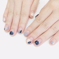 Want some ideas for wedding nail polish designs? This article is a collection of our favorite nail polish designs for your special day. Trendy Nails, Cute Nails, My Nails, Gold Nails, Stiletto Nails, Coffin Nails, Wedding Nail Polish, Wedding Nails, Solid Color Nails