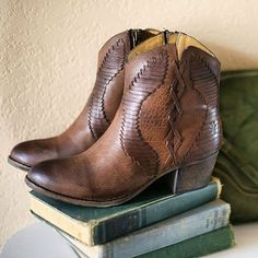 Get ready for Autumn with these cute ankle boots by Frye