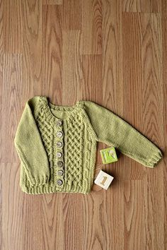 Picket Cardigan - Free Knitting Pattern with celtic cable for little ones