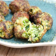 This Kolokythokeftedes (Fried zucchini / courgette Fritters)