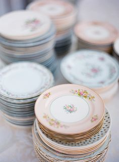 Cheekwood Botanical Garden wedding, Nashville Wedding, mismatched china plates for wedding reception #gardenweddings