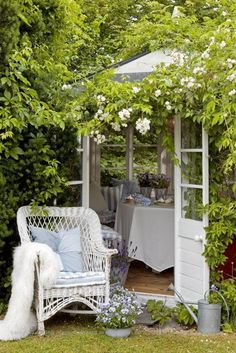 Outdoor Rooms, Outdoor Gardens, Outdoor Living, Outdoor Furniture Sets, Garden Cottage, Home And Garden, Diy Garden, Amazing Gardens, Beautiful Gardens
