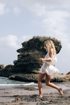 Free Summer @fashionmenow #lucywilliams #freepeople