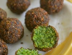 The Best Falafel I've Ever Made!/ So pretty!The Best Falafel I've Ever Made!/ So pretty! Lebanese Recipes, Indian Food Recipes, Vegetarian Recipes, Cooking Recipes, Healthy Recipes, Healthy Nutrition, Vegan Vegetarian, Healthy Eating, Vegan Foods