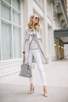 Cute Outfits With White Jeans For Work - Still wandering if you can wear white jeans at work? Sure, you can. You should. A great way to rock white jeans is pairing them with white based-prints:  Following this simple rule, one of the easiest and flattering styles you can wear is white jeans + stripes, and a cute blazer. But you can also use other prints if you want. Just make sure they have a good amount of white, and that you pair them with the right accessories. Accessories: neutrals are…