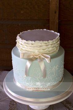 Wedding cake - vintage themed