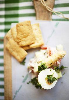 """Receta 40: Ensalada de espárragos, jamón de York y mayonesa » 1080 Fotos de cocina  - proyecto basado en el libro """"1080 recetas de cocina"""", de Simone Ortega. http://www.alianzaeditorial.es/minisites/1080/index.html"""