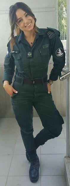 Idf Women, Military Women, Female Army Soldier, Military Girl, Girls Uniforms, Girls Rules, Real Women, Belle Photo, Beautiful Women