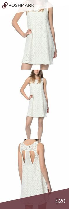 Cream Crochet Dress NWT. Never worn. It's super cute! empyre Dresses Midi