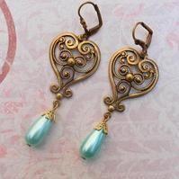 Vintage Filligree Heart...Earrings