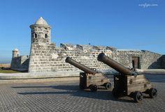 El Castillo de San Salvador de la Punta en la entrada de la bahía de la Habana
