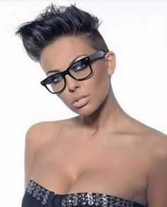 Black women's hair have that innate quality which is never seen in other hair. Here are some of the most popular short hairstyles for black women. Popular Short Hairstyles, Black Women Hairstyles, African American Short Haircuts, Short Hair Cuts, Short Hair Styles, Short Pixie, Mohawk Hairstyles, Edgy Pixie Hairstyles, Hairstyle Short