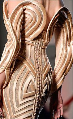 //Jean Paul Gaultier #fashion #details #womenswear