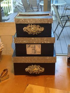 Wedding card box - but pink and gold! Wedding Gift Card Box, Gift Card Boxes, Wedding Boxes, Wedding Anniversary Gifts, Anniversary Parties, Wedding Cards, Wedding Favors, Wedding Gifts, Bling Wedding