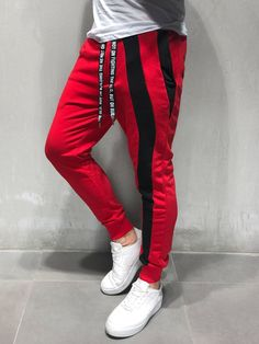 men's street style outfits for cool guys Red Sweatpants, Red Joggers, Jogger Pants, Fashion Pants, Mens Fashion, Fashion Outfits, Street Fashion, Fashion Styles, Fashion 101
