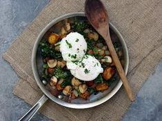 Breakfast: Mushrooms & Kale Hash with Poached Eggs