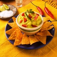 comida mexicana - Pesquisa Google Nachos, Guacamole, Food And Drink, Ethnic Recipes, Life, Main Course Dishes, Mexican Meals, Mexican, Tortilla Chips