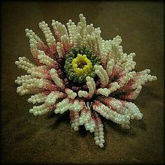 chrysanthemum beaded flower by Wnmo