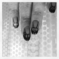 Art Nouveau Nails.