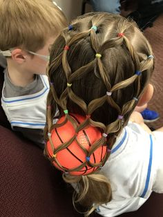 Basket ball hairstyles for short hair ideas Crazy Hair For Kids, Crazy Hair Day At School, Crazy Hair Days, Little Girl Hairstyles, Pretty Hairstyles, Short Hairstyles For Kids, Medium Hair Styles, Short Hair Styles, Basketball Hairstyles