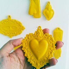 cuore ex voto in resina