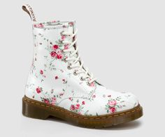 Womens Boots | Womens | The Official Dr Martens Store - US