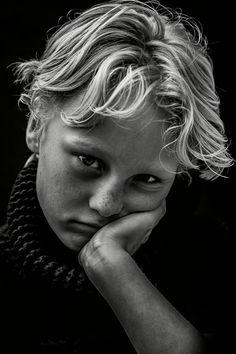 Kids Studio, Portrait Photography, White Photography, Studio Portraits, Beautiful Eyes, Snails, Black And White, Children, Art Reference