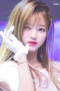 #yooa #ohmygirl 181003 Hope Sharing Concert (Suwon) Kpop Girl Groups, Korean Girl Groups, Kpop Girls, Korean Beauty, Asian Beauty, Girl Pictures, Girl Photos, Girl Crushes, K Pop