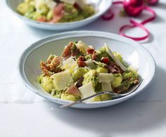 Pesto, parmesan and Parma ham gnocchi recipe. This gnocchi recipe is ideal for throwing together at the last minute and requires just seven ingredients. Ham Recipes, Italian Recipes, Cooking Recipes, Healthy Recipes, Healthy Meals, Yummy Recipes, Free Recipes, Gnocchi Recipes, Pasta Recipes