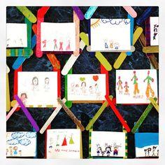 #Casitas que hicieron mis #niños de #Primaria con abate lenguas de #madera para dibujar a su #familia en clase de #arte 