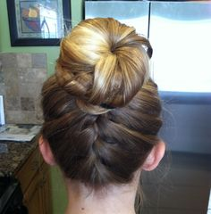 This is my hair!!! Braid bun