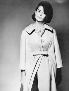 Gloria Vanderbilt Cooper in coat by Mainbocher, photo by Richard Avedon, 1962