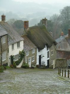 Zuid Engeland...describe this village, and you're on your way to a great story.